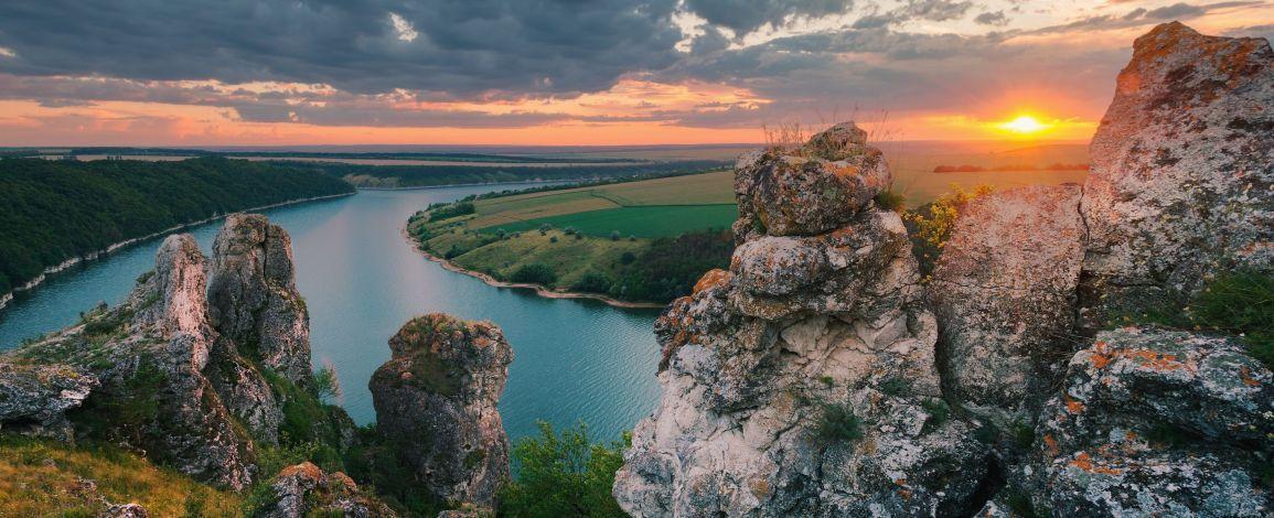 Грязюка, вулкан і древня скеля —привабливі пам'ятки Франківщини