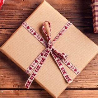 Чем порадовать любимого человека на Рождество