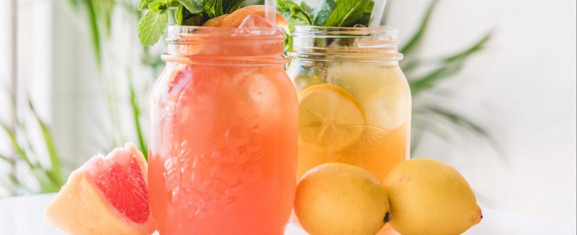 3 рецепта вкусного лимонада для компании