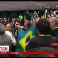 За крок до імпічменту опинилася президент Бразилії Ділма Русеф