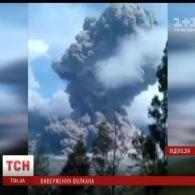 В Індонезії прокинувся вулкан Баруджарі