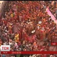 На півночі Індії почалося святкування фестивалю Холі