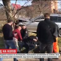 У Чернівцях група молодиків напала на патрульних