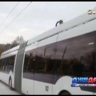 У грудні, дорогами Рівного почав курсувати тролейбус-гібрид