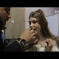 Руслан Ханумак погодував моделей шаурмою на Ukrainian Fashion Week