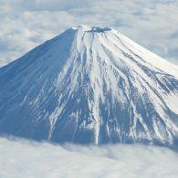 Світ навиворіт 9 сезон 6 випуск. Японія. Сходження на Фудзіяму та винахідник караоке