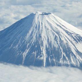 Сходження на Фудзіяму та винахідник караоке. Японія. Світ навиворіт - 6 серія, 9 сезон