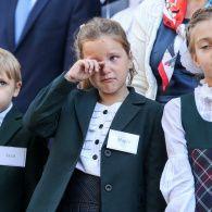 """Страх і сльози на """"лінійці"""": Україна відзначає День знань"""