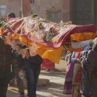 Погребальная церемония в городке Хокана - Мир наизнанку