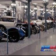 Колекція найбільшого автомобільного музею у Швейцарії