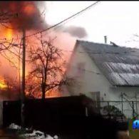 У столиці вщент згоріла чотириповерхова будівля