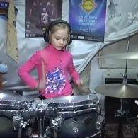 Обычная девочка из села под Киевом с помощью «Грошей» может стать мировой звездой