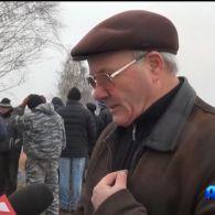 Повстання людей проти машин: мешканці 5 сіл на Київщині вийшли боронити свої домівки