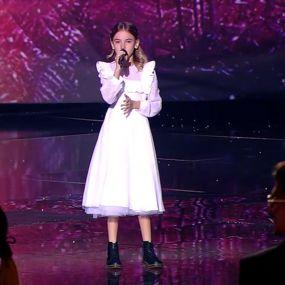 """Данелія Тулєшова """"Spectrum"""" – пісня переможниці – фінал – Голос. Діти 4 сезон"""