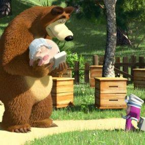 Трудно быть маленьким - Маша и Медведь Серия 35
