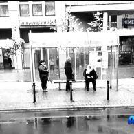 У Німеччині дідусю, що присів відпочити на зупинці, виписали  штраф у 35 євро