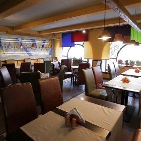 До и после. Ресторан Папуляста Дзюня в Киеве. На ножах
