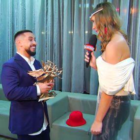 """MONATIK получил в подарок от Потапа шляпу: """"Повезу ее обратно в Америку"""""""