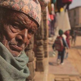 Життя серед руїн: як непальці оговтуються від землетрусу. Непал. Світ навиворіт - 3 серія, 8 сезон