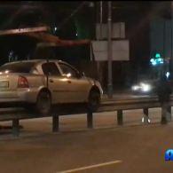 У Києві водій проїхав по відбійнику 70 метрів