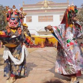 Кремація чиновника, храм Камасутри, король Мустанга та Тибетський Новий рік. Непал. Світ навиворіт - 13 серія, 8 сезон