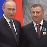 Как друзья Путина за деньги украинцев поддерживают огонь на Донбассе