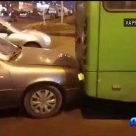 У Харкові п'яний чоловік викрав маршрутку та потрапив у ДТП