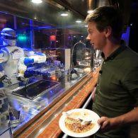 Как роботы заменяют поваров в Японии