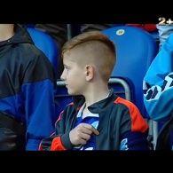 """Футболісти """"Дніпра"""" вийшли на останній матч сезону у футболках із написом """"Дніпро має жити"""""""