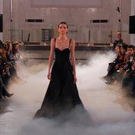 Дизайнер Артем Климчук устроил показ мод в Главном Почтамте
