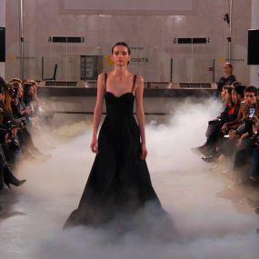 Дизайнер Артем Климчук влаштував показ мод у Головному Поштамті