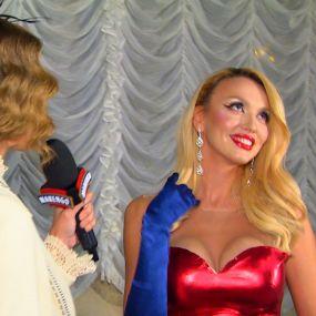 Оля Полякова знялася в секс-комедії «Свінгери»: «Мене навчили цілуватися по-кіношному, без язика»