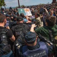 Сутички у містах України під час святкування 9 травня
