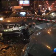 В Києві на Повітрофлотському мосту сталась масштабна аварія
