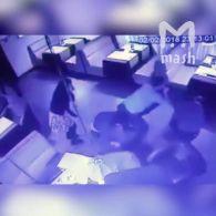 Російські слідчі в караоке-барі побили чоловіка, пісня якого їм не сподобалася