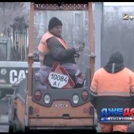 Чи скрізь залатали дірки на автошляхах у Києві ?