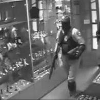 Как полицейские возглавили банду грабителей ювелирных магазинов