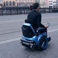 """У Швейцарії винайшли гусеничний візок-""""всюдихід"""" для людей з обмеженими можливостями (відео)"""