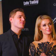 Пэрис Хилтон с украинским женихом поздравила с Пасхой и призналась, что обожает борщ