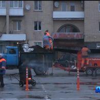 Ремонт дороги під дощем по-житомирськи