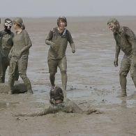 Японцы устроили олимпиаду в грязи