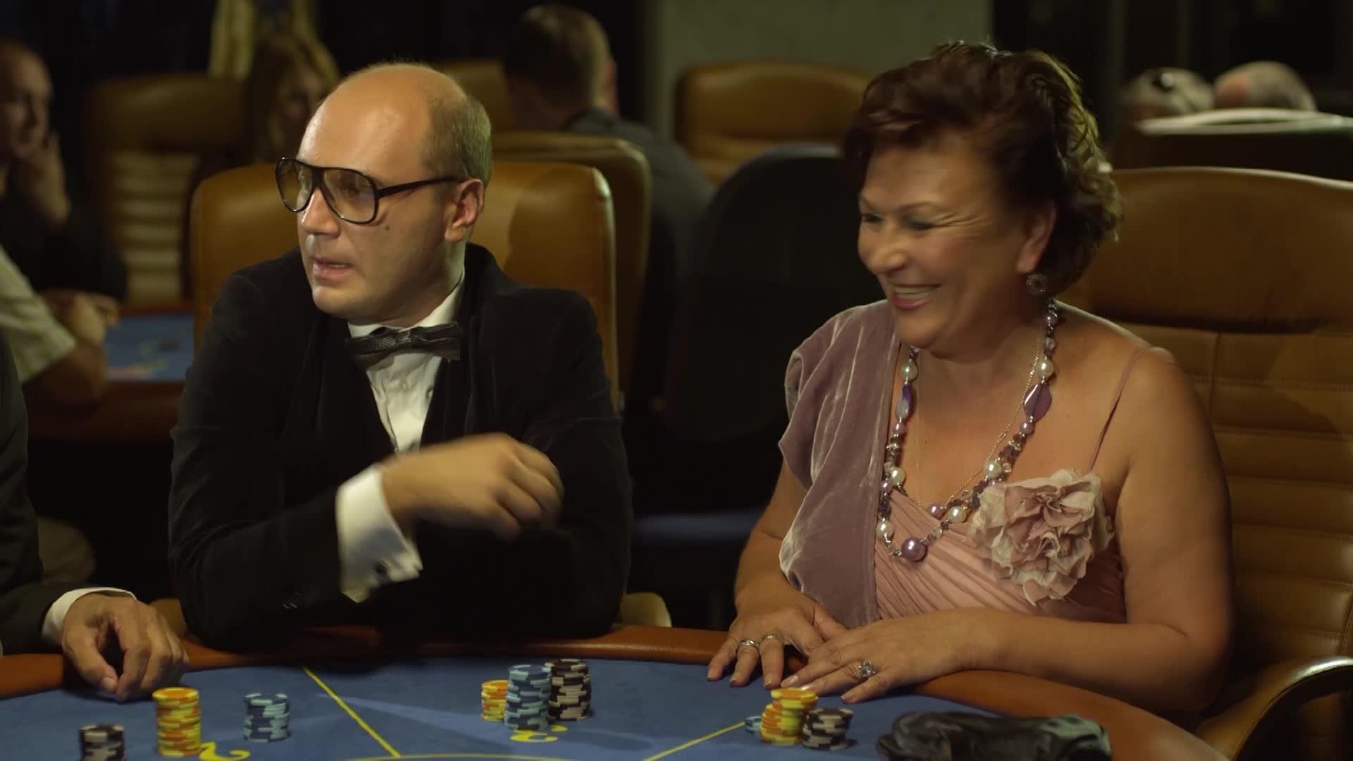 Сваты 4 покер смотреть онлайн самые последние игровые аппараты