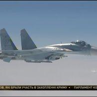 """Росія перекинула до Криму сотню бойових літаків """"Су-27"""" та """"Су-30"""""""