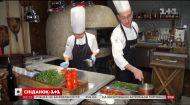 На хвилі позитиву: до флешмобу #СпівайТанцюйГотуй долучилися київські кухарі