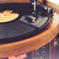 Окрема музична епоха: сьогодні вініловій платівці виповнюється 70 років