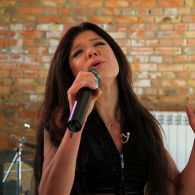Руслана показала энергосберегающий дом, музыкальные студии и спела на свой день рождения