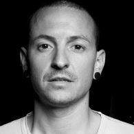 Велика зірка, що згасла: рік тому не стало соліста рок-гурту Linkin Park Честера Беннінгтона