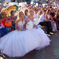 Массовая свадьба на Певческом поле раскрывает секреты звезд