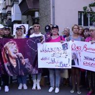 Улюбленець мільйонів Олег Винник святкує 45 років
