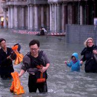 Пішла під воду: вражаючі кадри затоплення Венеції